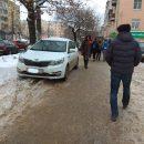 https://smolensk-i.ru/auto/v-smolenske-peshehod-otomstil-avtohamu-kotoryiy-ostavil-avto-na-trotuare_269696