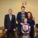 https://smolensk-i.ru/society/devochka-iz-smolenska-poluchila-foto-vladimira-putina-s-avtografom_269974
