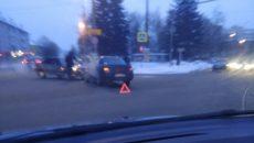 На улице Фрунзе в Смоленске жёстко столкнулись две «Лады»