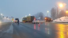 Из-за аварии с автобусом на М-1 под Смоленском госпитализировали пенсионерку