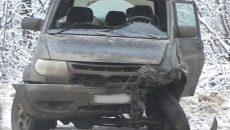 На М-1 под Смоленском женщина за рулём УАЗа врезалась в отбойник