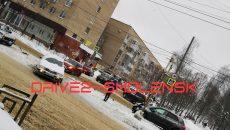 «Красные полосы на снегу»: на улице Кирова в Смоленске жёстко столкнулись две иномарки