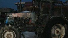 Под Смоленском трактор загорелся на ходу