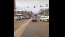 Место двойного ДТП на улице Кирова в Смоленске сняли на видео