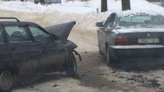 Место жёсткой лобовой аварии на шоссе в Смоленске сняли на видео