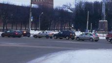 На площади Победы в Смоленске произошло три ДТП подряд