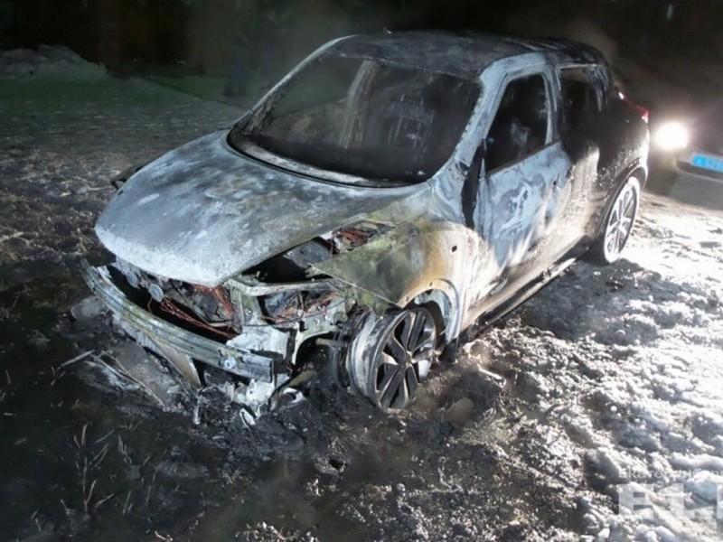 Nissan Juke, возгорание, пожар (фото obltv.ru)