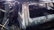 Под Смоленском «Нива» целиком сгорела вместе с гаражом