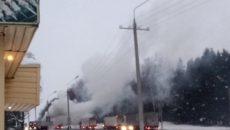 На трассе М-1 под Смоленском на ходу загорелась фура