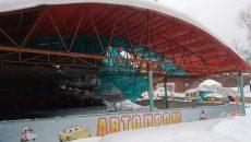 В «Лопатинском саду» Смоленска прокомментировали инцидент с рухнувшей крышей аттракциона