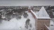В Смоленске заснеженную крепостную стену сняли на видео с высоты птичьего полета