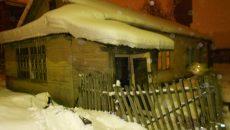В Смоленске пожарные спасли двоих человек из горящего дома