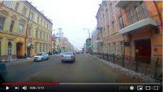 В Смоленске «экстремальное» сбивание сосулек сняли на видео