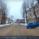 https://smolensk-i.ru/auto/v-smolenske-uletevshuyu-v-sugrob-inomarku-snyali-na-video_269086