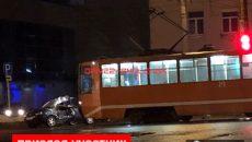 В Смоленске трамвай смял «Ладу»
