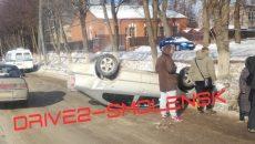 Жесткое ДТП в Смоленске: на улице Багратиона перевернулся автомобиль