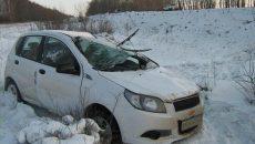 На федеральной трассе под Смоленском опрокинулась малолитражка