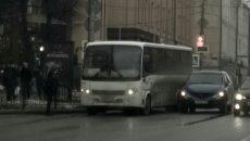 На перекрёстке в Смоленске кроссовер врезался в маршрутку