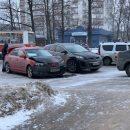 https://smolensk-i.ru/auto/na-ulitse-nikolaeva-v-smolenske-zhyostko-stolknulis-dve-mazdyi_273423