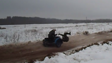 Под Смоленском падение гонщика из люльки мотоцикла сняли на видео