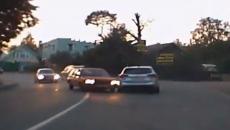 Жёсткое двойное ДТП с 40-летней иномаркой в Смоленске сняли на видео