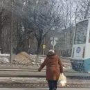 https://smolensk-i.ru/auto/v-smolenske-pozhilaya-narushitelnitsa-pdd-popala-v-obektiv-kameryi_273675