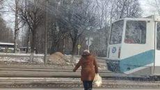 В Смоленске пожилая нарушительница ПДД попала в объектив камеры