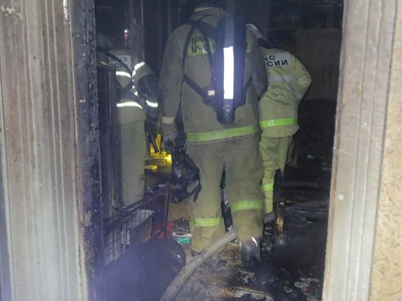 пожар, квартира, газодымозащитная служба, эвакуация (фото 67.mchs.gov.ru)