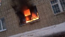 Очевидцы рассказали о причинах пожара в общежитии под Смоленском
