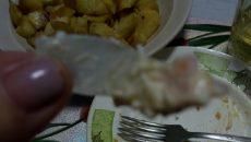 Жительница Смоленска обнаружила смертельно опасный «сюрприз» в салате из гипермаркета