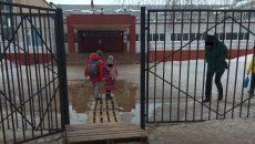 Школу в Смоленске оборудовали «плавучим» входом