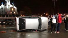 В Смоленске на улице 25 Сентября перевернулся автомобиль