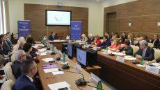 Алексей Островский взял под контроль ремонт кровли Соловьёвской основной школы
