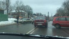 Авария на улице Соболева в Смоленске застопорила движение