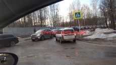 В Смоленске ДТП перекрыло выезд из микрорайона