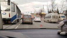 В Смоленске ДТП ограничило движение в центре города