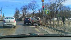 В Смоленске авария у перекрёстка спровоцировала затор на Волоке
