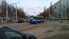 В Смоленске трамваи стали из-за аварии на перекрёстке