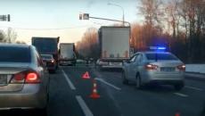 Последствия столкновения фур на М-1 под Смоленском сняли на видео