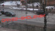 В Смоленске из-за ДТП иномарку выбросило на «встречку»