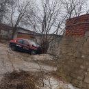 https://smolensk-i.ru/auto/v-smolenske-taksi-vrezalos-v-derevo-i-stenu-garazhnogo-kooperativa_278948