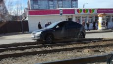 В Смоленске «Форд» вылетел на пути и застопорил движение трамваев