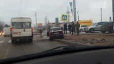 Из-за столкновения с дорожным знаком в Смоленске погиб водитель