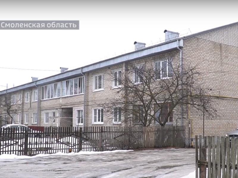 В Рудне сироте Ольге Бекаевой и её семье дали квартиру в заплесневелом цехе