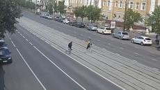 В Смоленске убийца женщины и его подельник попали на видео