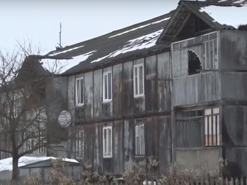 аварийный дом №35 на ул. Октябрьской в дер. Гусино Смоленской области
