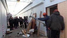В Смоленске судебные приставы снесли кафе