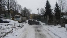 В центре Смоленска водитель «Нивы» сбил девочку на тротуаре