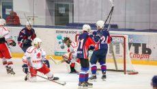 В Смоленске «Монолит» и «СГАФКСТ» сойдутся в решающем поединке финала городского чемпионата по хоккею