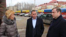 Алексей Островский поручил переселить жильцов аварийного дома в Смоленске